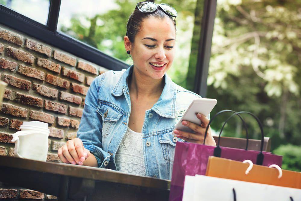 La elección de plataforma y la negociación con el banco son algunos de los pasos a seguir para crear tu tienda online.