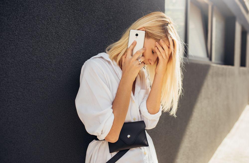 El 'vishing' es un nuevo método de estafa que combina teléfono e internet para engañar a los usuarios y pedirles datos personales de forma fraudulenta