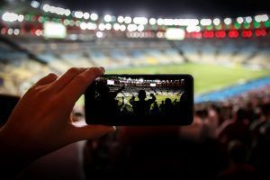 PeoplEat Custom soluciona las esperas a la hora de pedir comida y bebida en grandes eventos como partidos de fútbol o conciertos