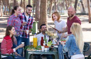 Una barbacoa con amigos siempre es un plan muy top para disfrutar del pueblo